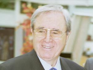 Viorel Păunescu, unul dintre oamenii pe care Steaua se bazează în munca de reconstrucţie