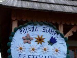 """La Poiana Stampei a avut loc Festivalul """"Flori de pe Dorna"""""""