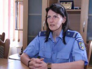 Locotenent Irina Ipate: Încercăm să îi protejăm pe cei mici de greutăţile care s-au abătut peste familiile lor