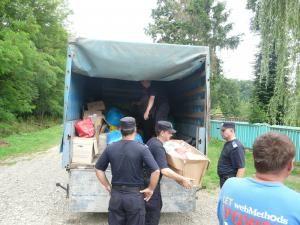 Distribuirea ajutoarelor sosite din Germania s-a făcut cu sprijinul jandarmilor suceveni