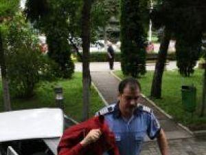 Agentul-şef principal Mircea Cîrneala fost dus, ieri după-amiază la audieri la Parchetul de pe lângă Tribunalul Suceava