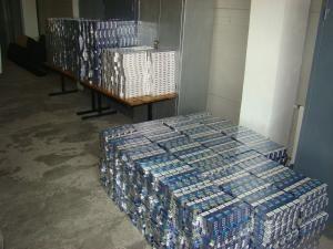 Valoarea celor 23.000 de pachete de ţigări care urmau să alimenteze piaţa neagră din România se ridică la peste 50.000 de euro