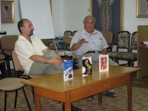 Autorul, cărţile şi... victima