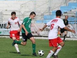 Daniel Păiuş (în verde) are evoluţii apreciate la Academia Hagi