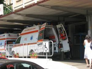 """Răniţii au fost preluaţi de ambulanţe şi duşi la """"Urgenţele"""" Spitalului Judeţean"""