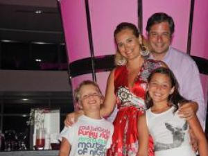Alaturi de familie si prieteni,: Andreea Esca a avut parte de un concediu plin de aventuri