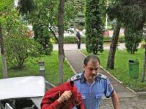 Agentul principal Mircea Cîrneală va trebui să răspundă în faţa judecătorilor şi pentru falsuri în acte oficiale