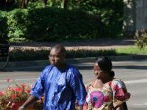 Mamadou Drame din Senegal şi Edith Cecile Emilie Ngo Nlend, din Camerun, se află la Suceava de două luni de zile