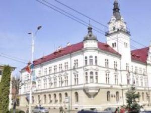 Iniţiativă: În faţa Palatului Administrativ ar putea funcţiona o piaţă volantă de produse agroalimentare