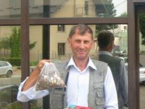 Vasile Senciuc şi-a achitat cheltuielile judiciare cu monede de unu, cinci şi zece bani