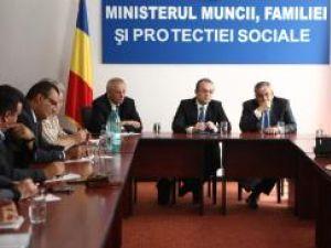 Reprezentanţii Guvernului au făcut o nouă propunere privind salariul minim. Foto: CAPP