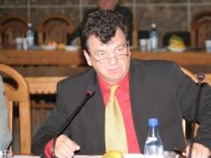 """Virginel Iordache a fost votat de 33 dintre cei 40 de membri ai Consiliului Profesoral al Colegiului de Informatică """"Spiru Haret"""""""