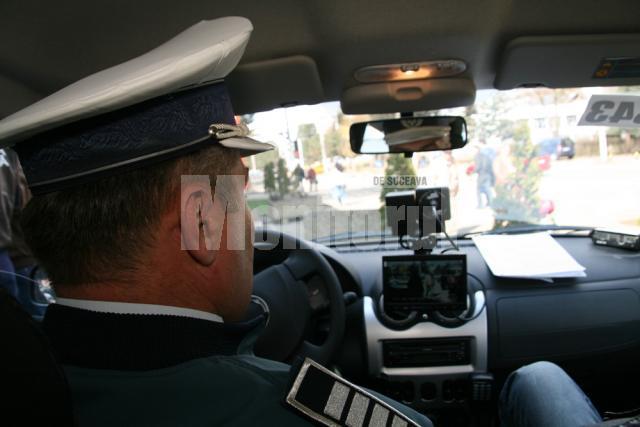 Agenţii de la Poliţia Rutieră folosesc camerele video ale sistemelor montate pe autospecialele Logan