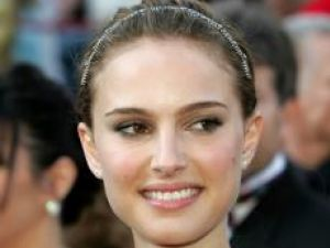 Natalie Portman, în locul Angelinei Jolie, în filmul SF