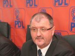 Prim-vicepreşedintele Organizaţiei Judeţene Suceava a PD-L, senatorul Orest Onofrei