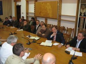 Întâlnirea  dintre autorităţile judeţene, viceprimarul din Vatra Dornei, Mircea Rusu, şi membrii Asociaţiei Forestierilor