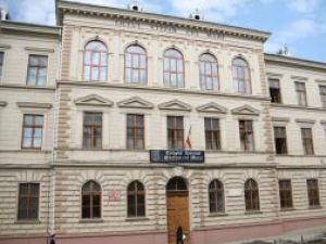 """Colegiul Naţional """"Ştefan cel Mare"""" din Suceava se pregăteşte de sărbătoare"""