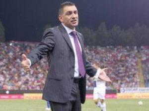 Ilie Dumitrescu a rezistat pe banca Stelei doar câteva săptămâni