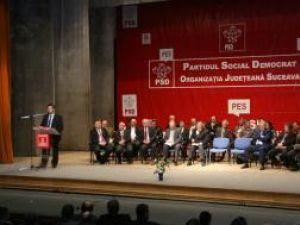 Liderii PSD au încercat să-şi încurajeze colegii cu îndemnuri la rezistenţă şi la luptă în vederea victoriei