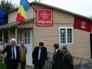 Ieri, la Plopeni, s-a inaugurat şi sfinţit sediul organizaţiei locale a PSD
