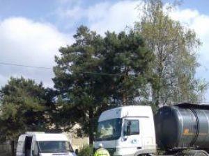 Inspectorii Autorităţii Rutiere Române (ARR), agenţia Suceava, au controlat maşinile care transportau mărfuri şi substanţe periculoase