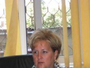 """Elena Oanea: """"Chiar dacă contractul este între Termica şi asociaţia de proprietari, locatarii nemulţumiţi pot să se adreseze instituţiei noastre şi noi vom verifica"""""""