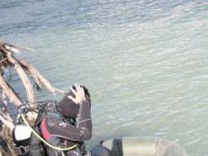 Scafandrul a făcut măsurătorile necesare în apă