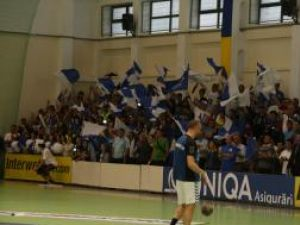Sucevenii care nu vor avea loc în sala LPS vor putea urmări meciurile de handbal şi volei la televizor