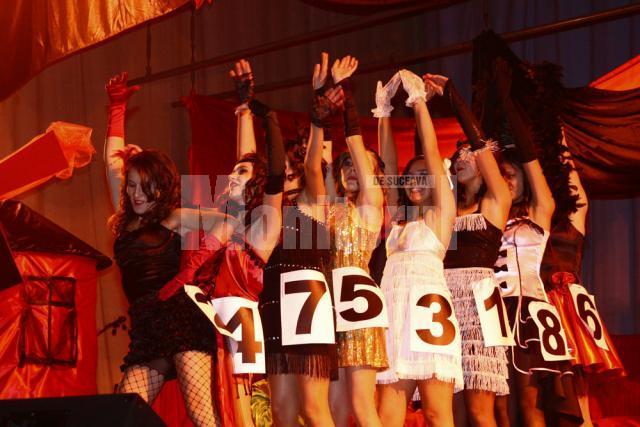 Poftiţi la Moulin Rouge! Foto: Ema MOTRESCU