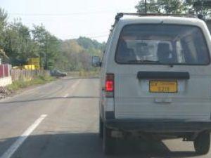 La Cajvana, o maşină marca Suzuki, aparţinând categoriei M2, circulă cu acte în regulă pe drumurile din judeţ