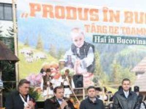"""Soţia premierului Emil Boc şi-a făcut cumpărăturile la Târgul """"Produs în Bucovina"""" din Cluj"""