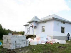 Şcoala din Sălăgeni va fi modernizată cu fondurile donate de fundaţia din Belgia