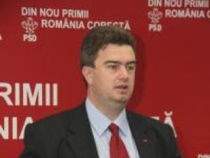 """Cătălin Nechifor: """"Sperăm ca la votul moţiunii parlamentarii PD-L să nu stea după fusta lui Traian Băsescu"""""""