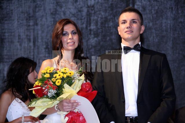 Iuliana Botuşan si Bogdan Mierlă, câştigătorii titlurilor de Miss şi Mister USV 2010