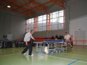 La competiţia de tenis de masă au participat 71 de silvicultori