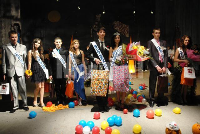 Câştigători la Balul Bobocilor Colegiului Economic. Foto: ArTiStul / OrasulSUCEAVA.ro