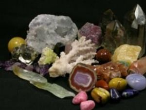Muzeul de Ştiinţele Naturii: Bijuterii unicat din cristale naturale