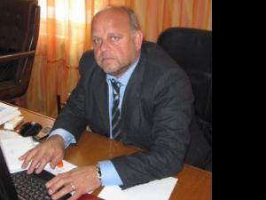 Primarul municipiului Rădăuţi, Aurel Olărean, a decis şi modernizarea trecerilor de pietoni din zona centrală