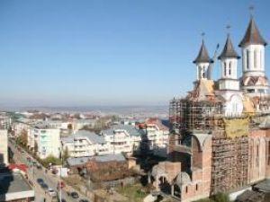 """Lucrările la Catedrala """"Naşterea Domnului"""" au înaintat vizibil anul acesta"""