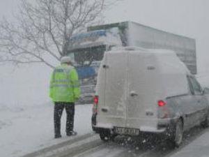 Şoferii ar putea plăti amenzi între 2.500 şi 4.000 lei dacă nu folosesc anvelope de iarnă