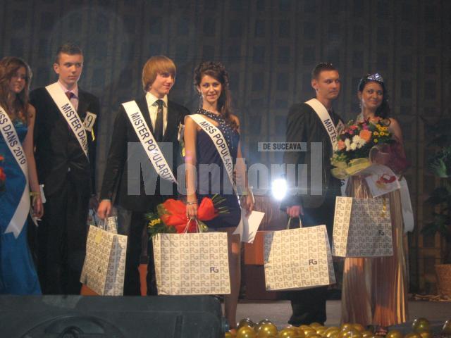 """Premianţii  de la Colegiul Naţional """"Mihai Eminescu"""" Suceava"""