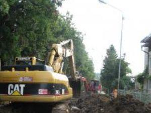 Locuitorii străzii Alexandru cel Bun vor trebui să mai îndure cel puţin încă o lună deranjul provocat de lucrările ISPA