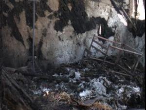 Casa familiei Beleca, mistiută de flăcări