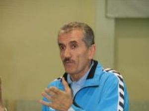 Petru Ghervan le reproşează jucătorilor atitudinea din prima repriză
