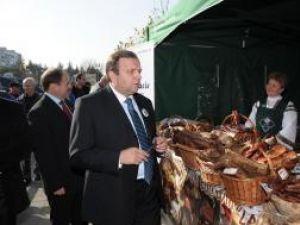 """La Târgul """"Produs în Bucovina"""" organizat în capitală s-au vândut peste 17 tone de produse din carne"""