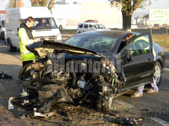 Cei doi şoferi au avut mare noroc că au scăpat fără leziuni mai grave