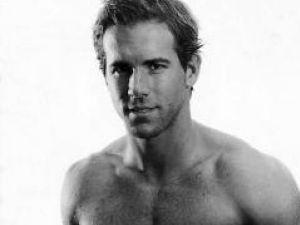 Actorul Ryan Reynolds, desemnat cel mai sexy bărbat în viaţă