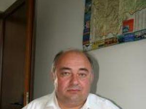 Săvel Botezatu, primarul comunei Udeşti