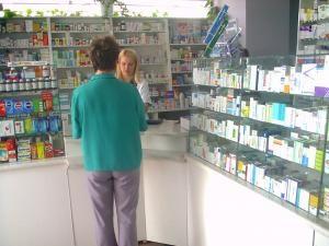 O farmacie va putea fi înfiinţată şi va funcţiona ca o societate comercială