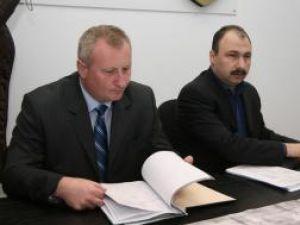 Prefectul de Botoşani, Cristian Roman, şi prefectul de Suceava, Sorin Arcadie Popescu